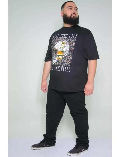Camiseta Plus Size Caveira Preta